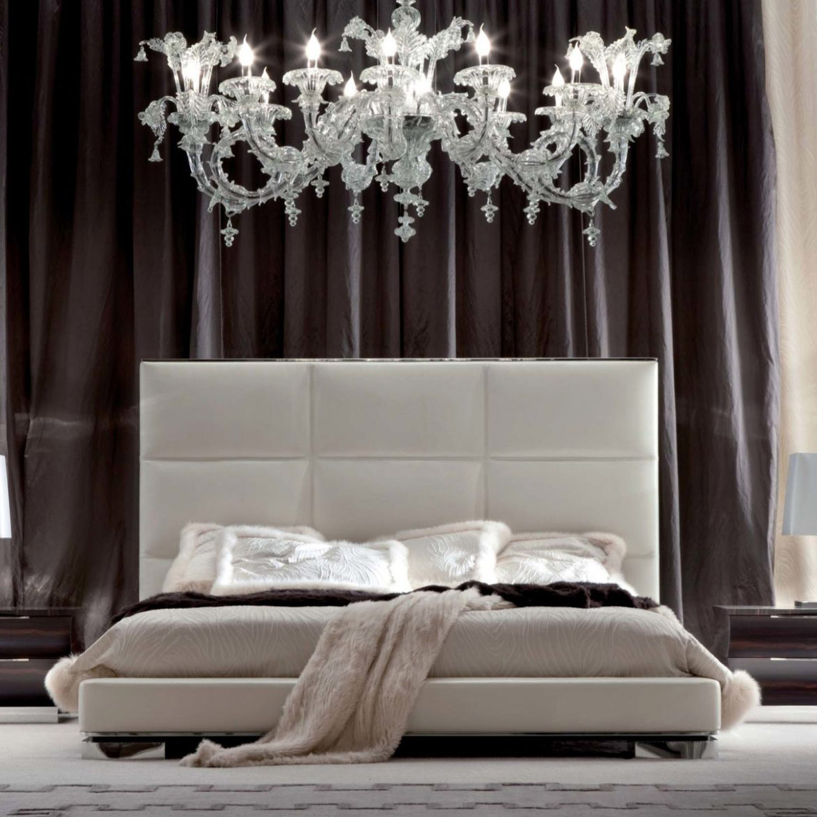 DAYDREAM COLLECTION Upholstered Bed