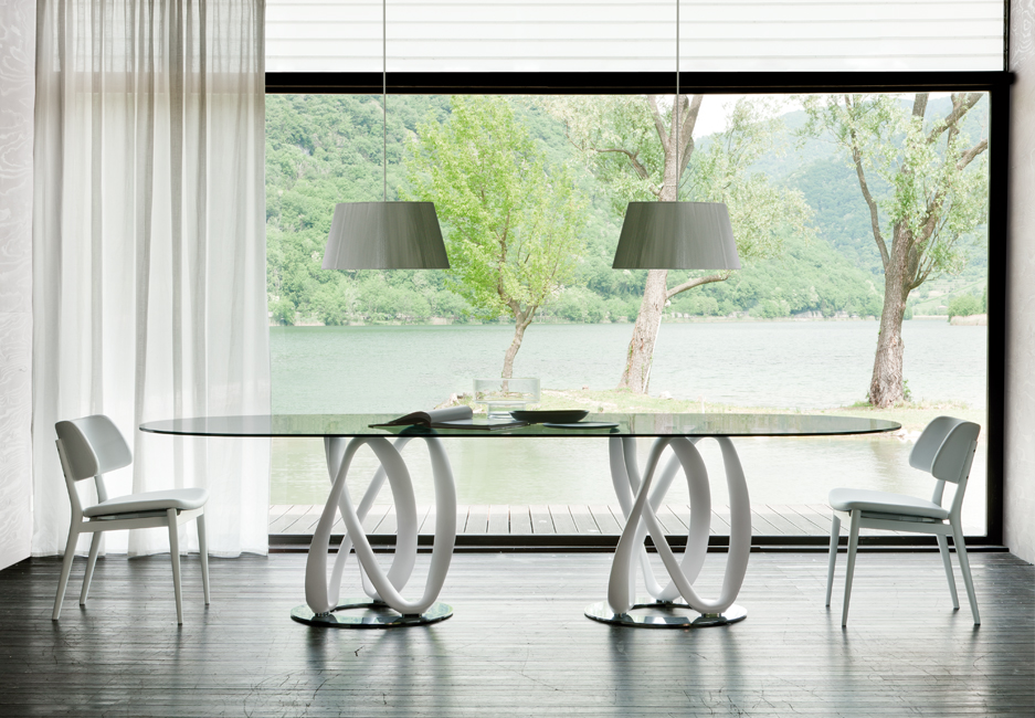 Porada Infinity Oval Table